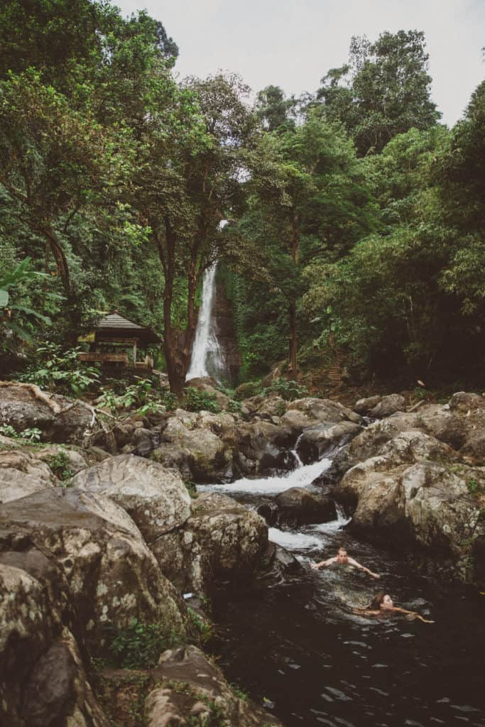 Swimming at Git Git Waterfall - TheMandagies.com