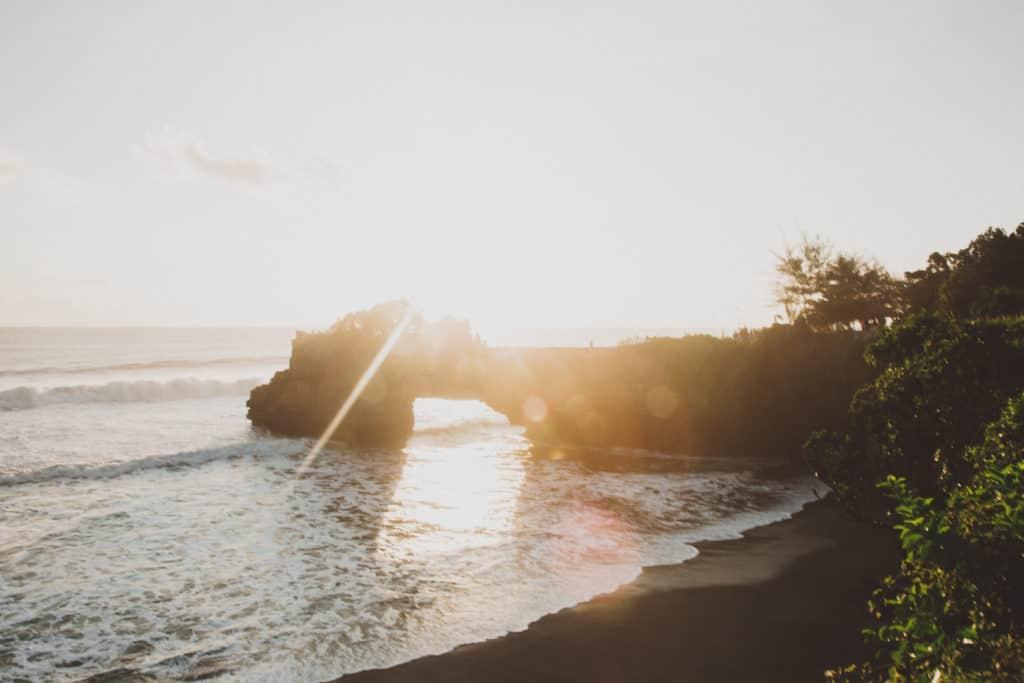 Tanah Lot - Bali, Indonesia - TheMandagies.com