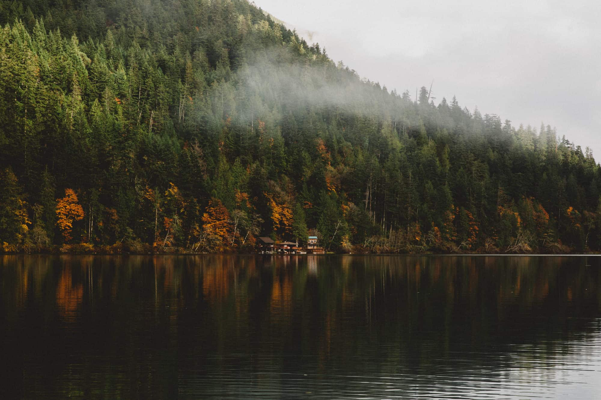 Autumn Season at Lake, Cresent, Olympic Peninsula Road Trip - TheMandagies.com