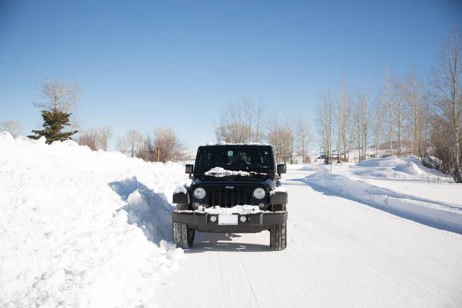 Road trip planning in winter, jeep in the snow