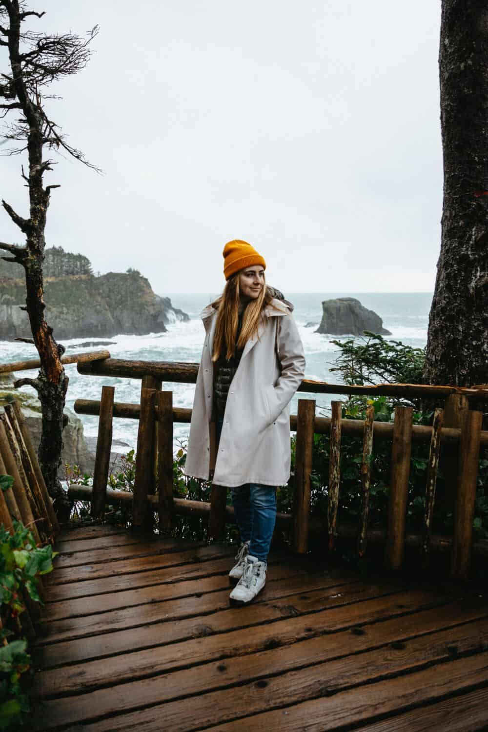 Emily Mandagie - Pacific Northwest Outfit at Cape Flattery - TheMandagies.com