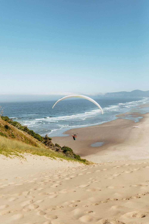 Hang Gliders at Cape Kiwanda