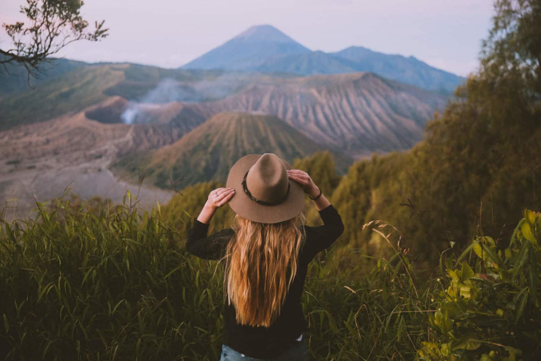 Emily Mandagie at Gunung Bromo