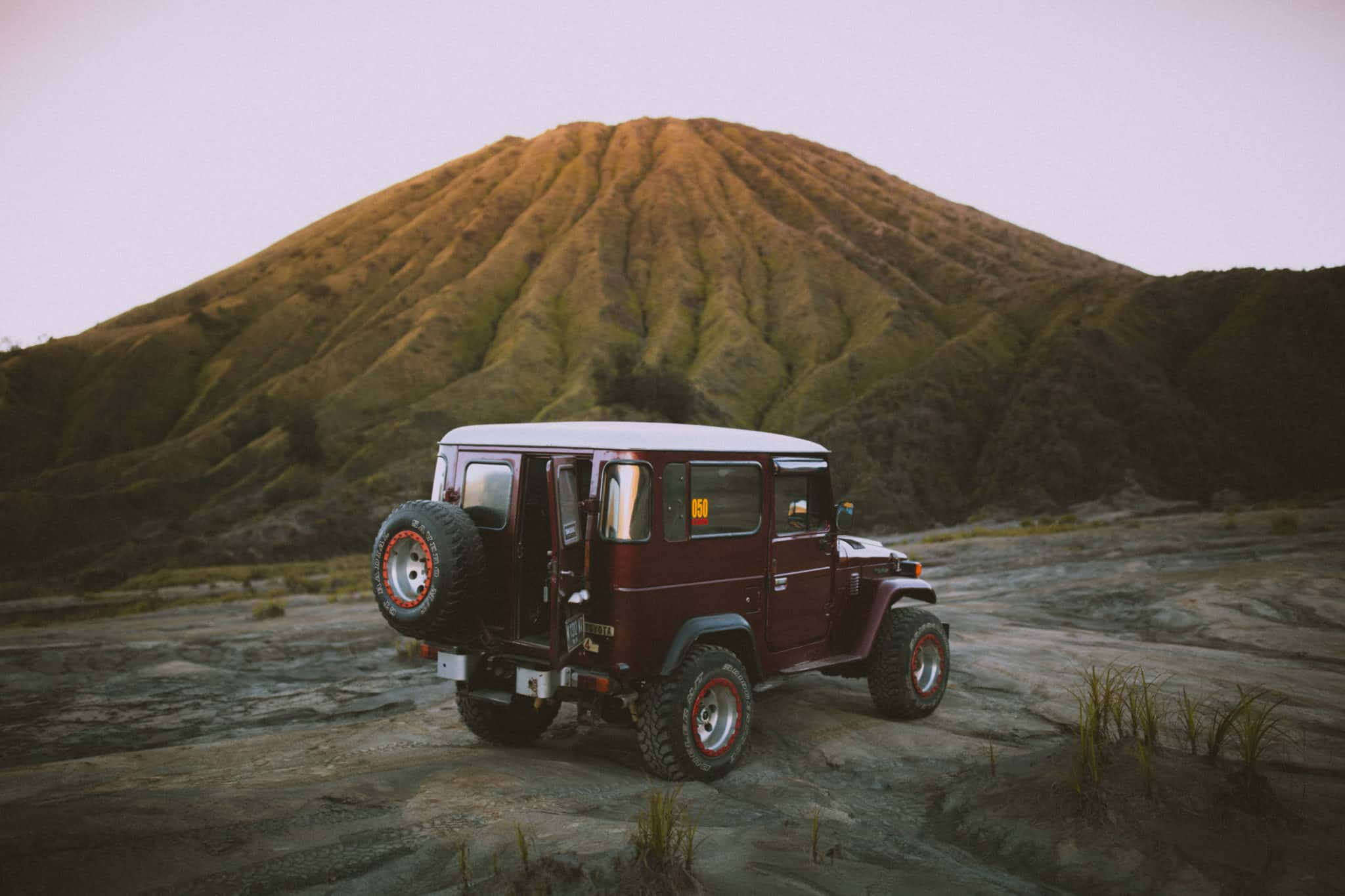 Mount Bromo Toyota Land Cruiser - TheMandagies.com
