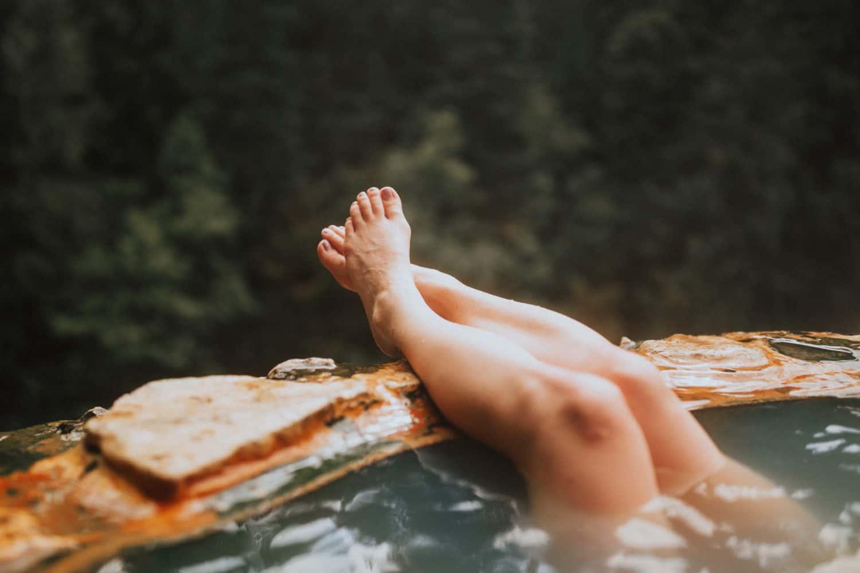 feet at umpqua hot springs