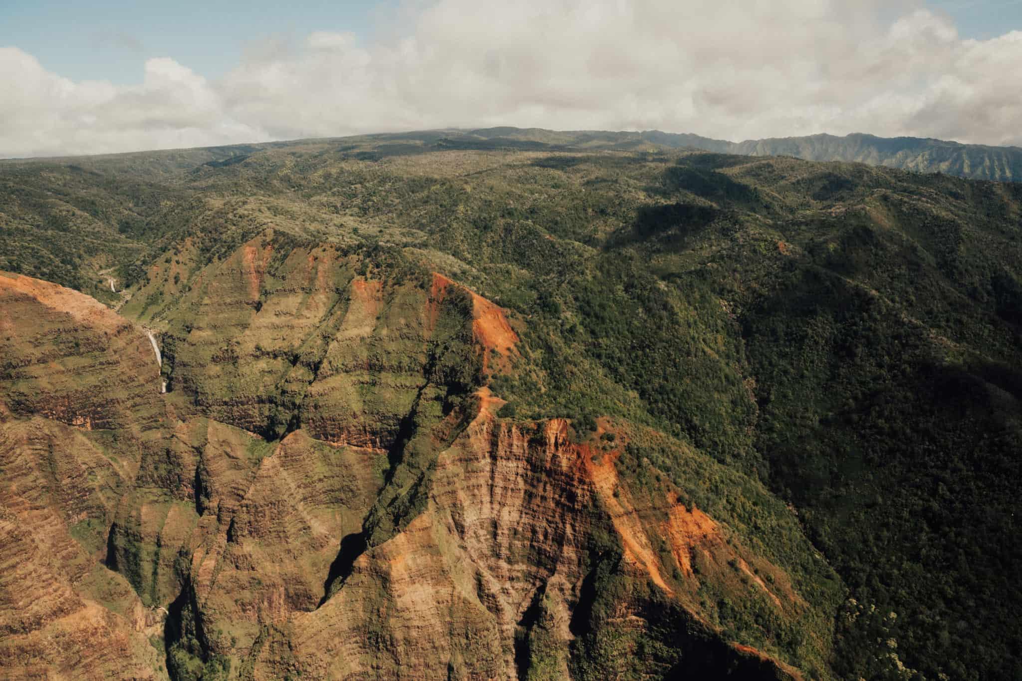 5 Reasons Why You Should Book A Kauai Helicopter Tour -TheMandagies.com