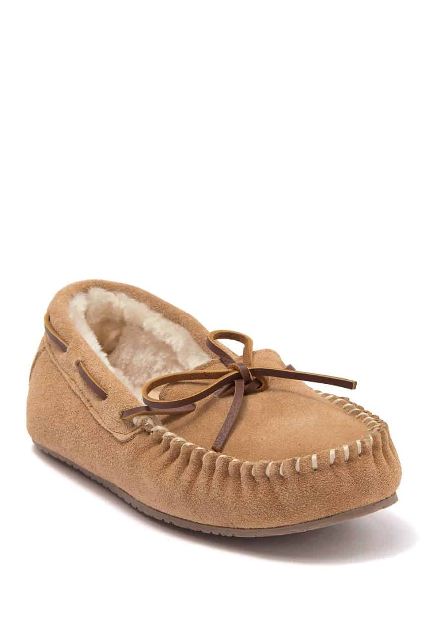 Minnetonka Moc Toe Slippers