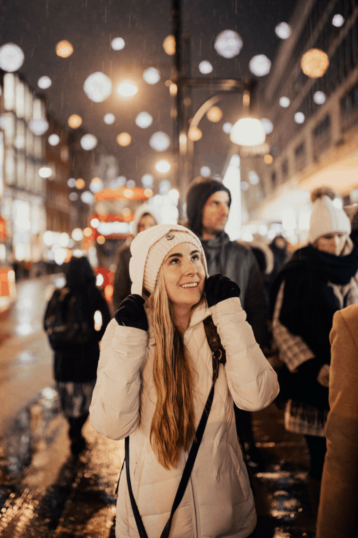 If you're looking for the best things to do in London during winter, this post is for you! We're sharing why this time of year is the ideal time to visit London - hardly any tourists, cheaper prices, and of course, Christmas cheer!