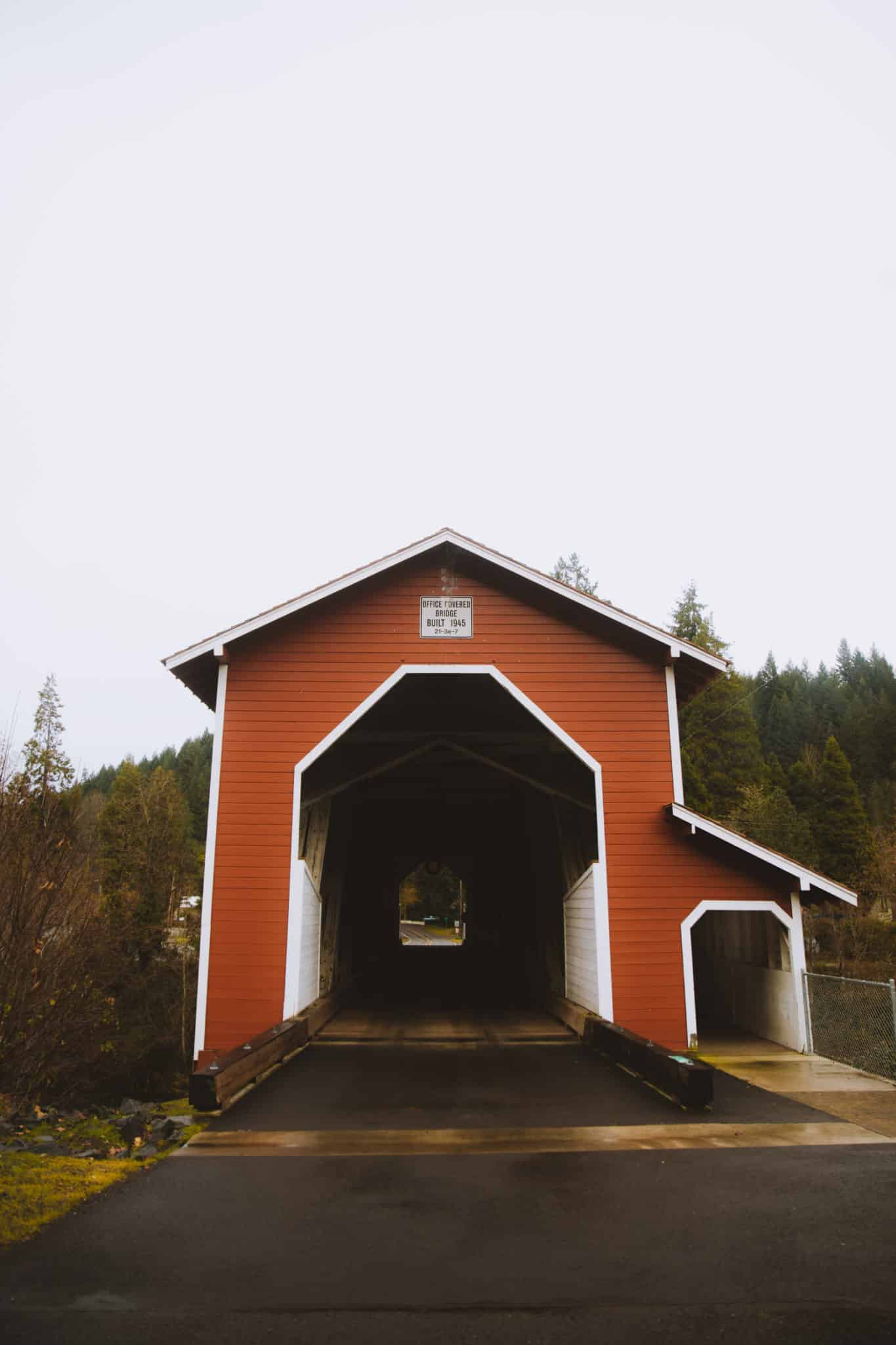 12 Laid-Back Things To Do In Eugene, Oregon - Office Bridge