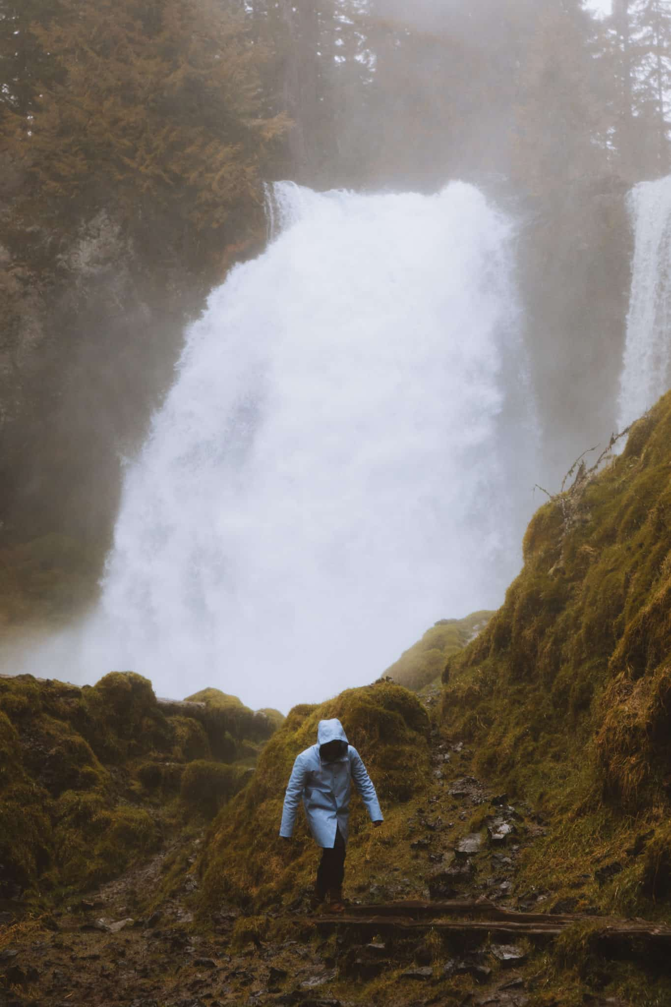 Sahalie Falls - Hiking In The Pacific Northwest - TheMandagies.com