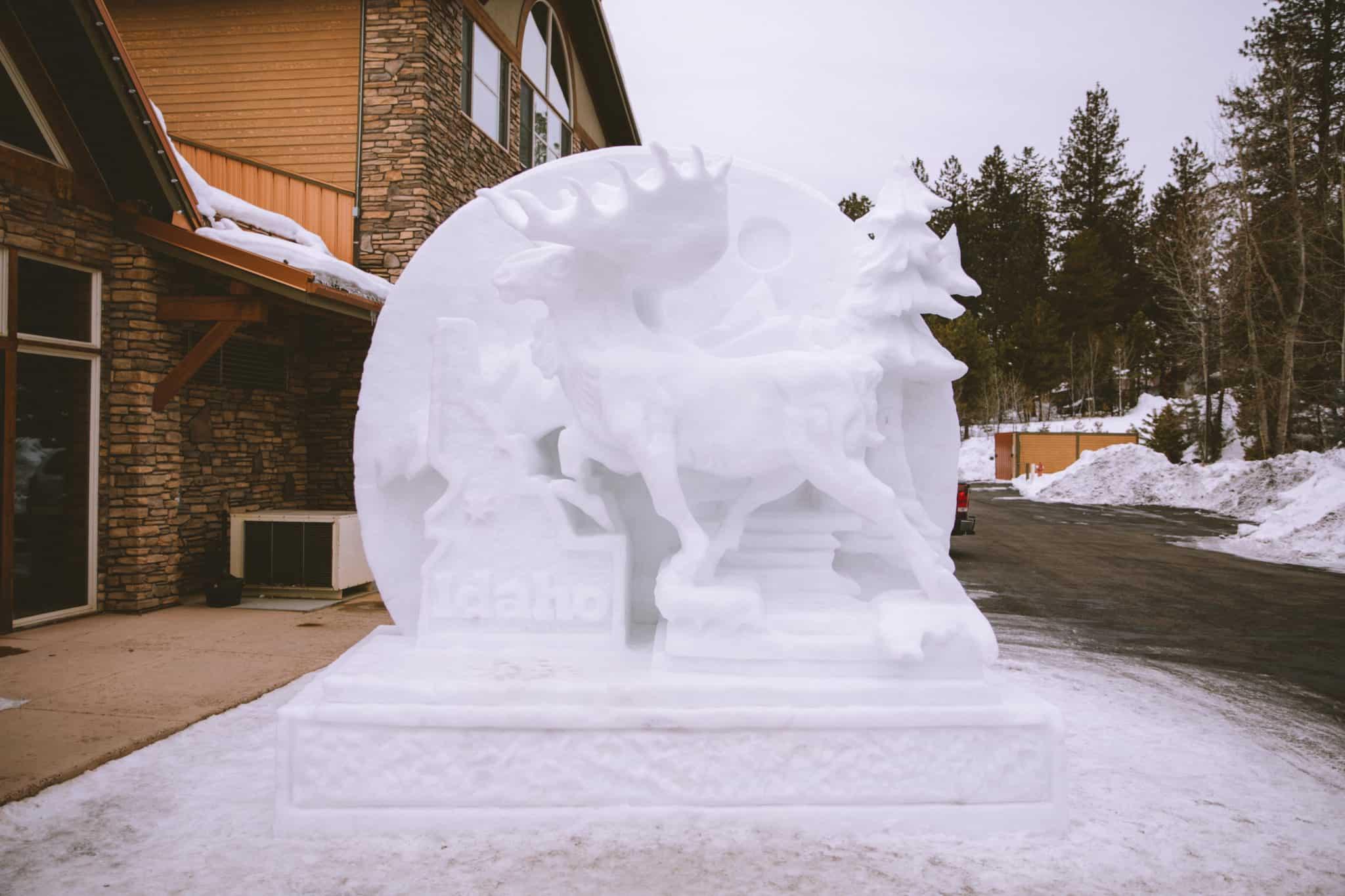 Ice Sculptures - The Mandagies Visit McCall Post