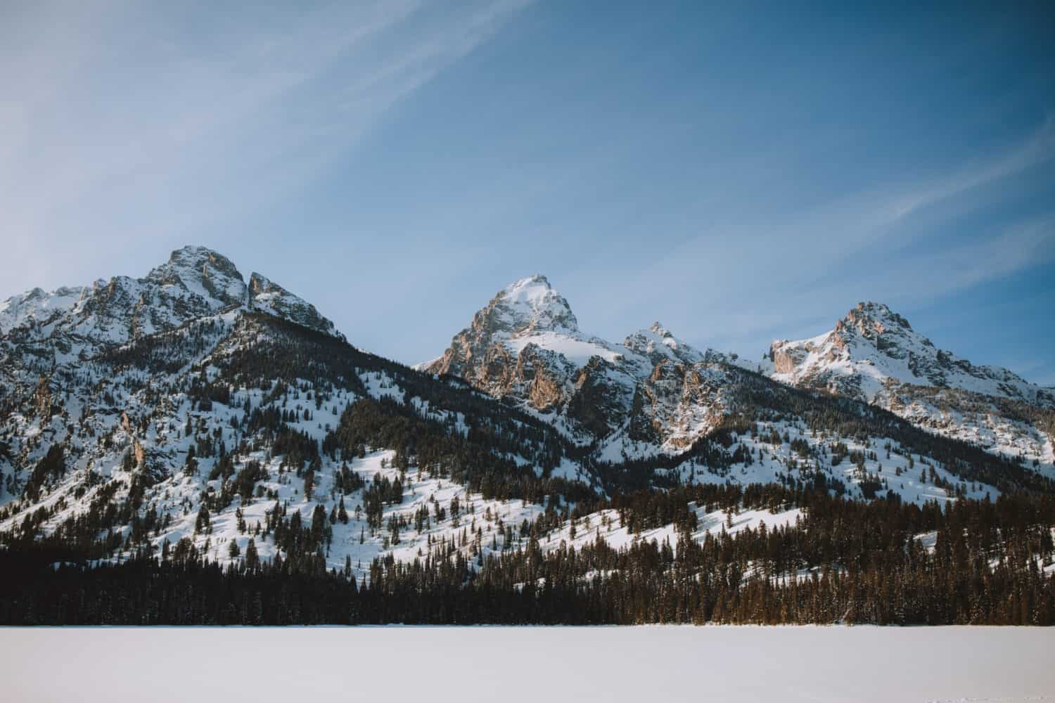 Views of the Grand Teton Mountain Range in Winter - TheMandagies.com