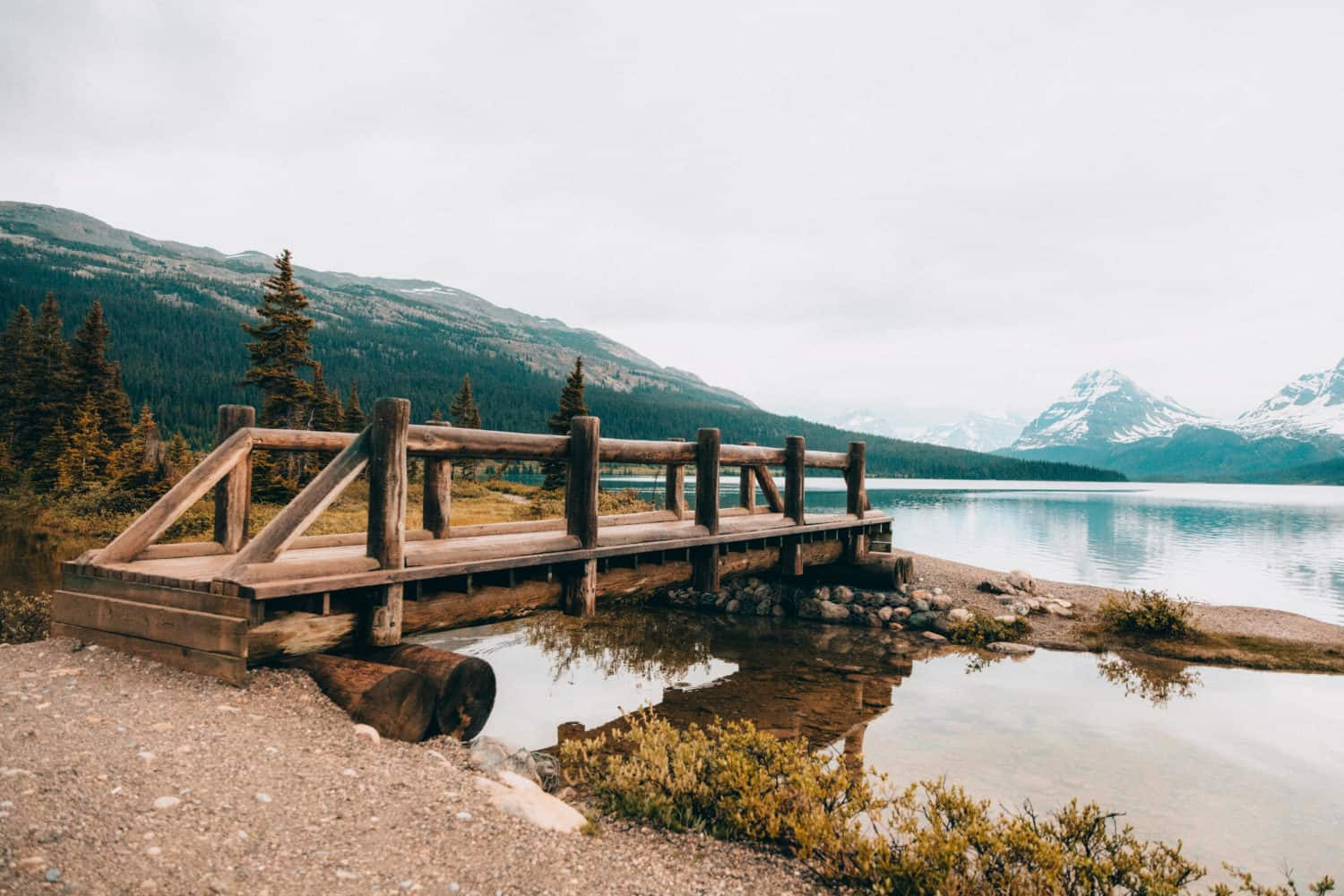 Bow Lake Bridge - Icefields Parkway, Alberta - TheMandagies.com