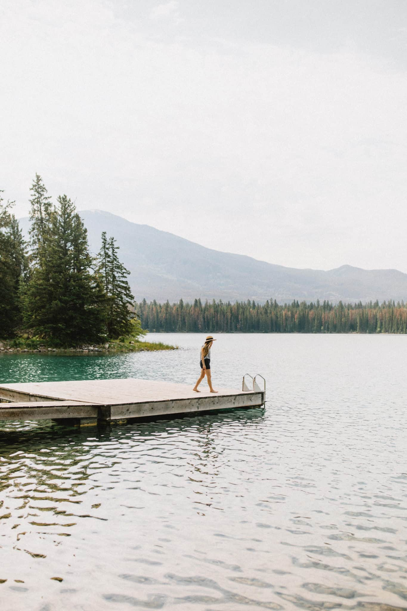 Easy Hikes In Jasper National Park - Annette Lake