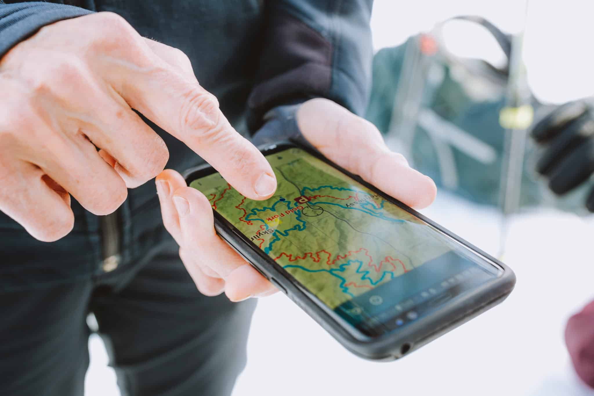 The 11 Best Hiking Apps To Elevate Your Next Outdoor Adventure (GPS Tracking, Offline Maps + More!)