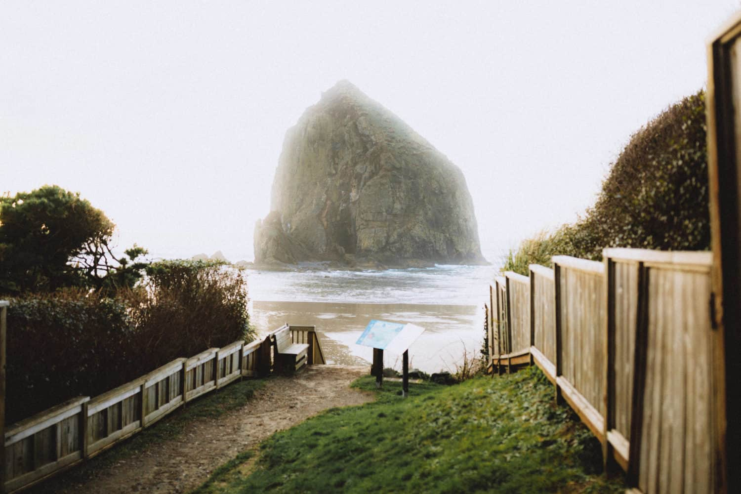 Pictures of Cannon Beach Oregon, Haystack Rock