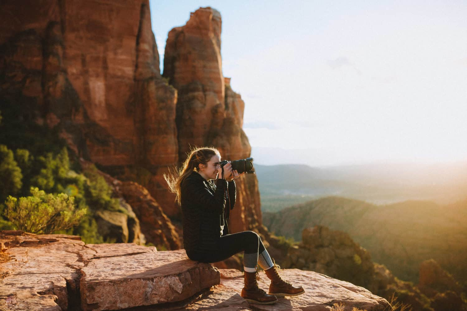Emily Mandagie shooting with Canon EOS R In Sedona