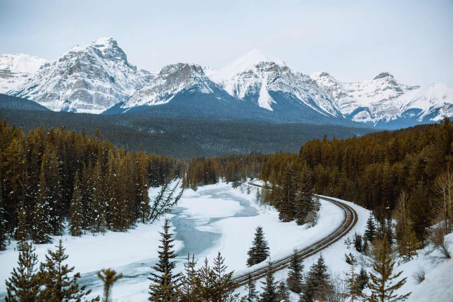 Morant's Curve in Winter - Bow Valley Parkway - TheMandagies.com