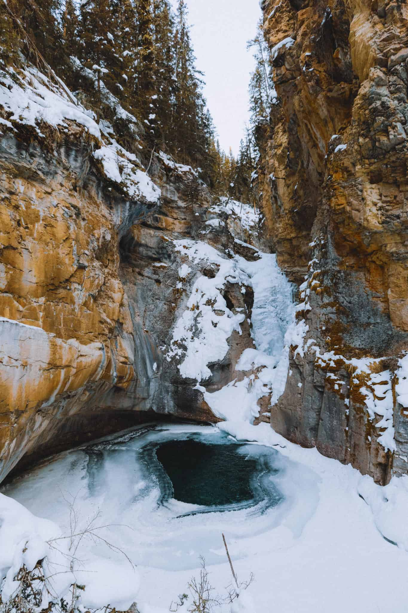 Frozen Lower Falls - Johnston Canyon - TheMandagies.com