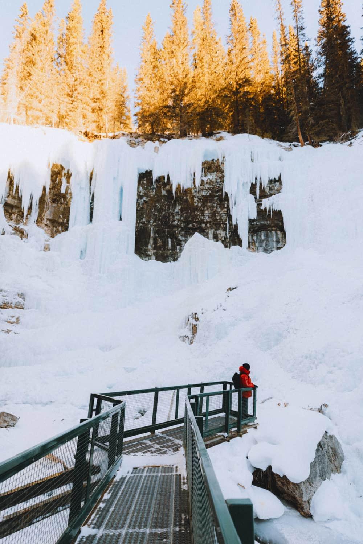 Frozen Upper Falls - Johnston Canyon - TheMandagies.com