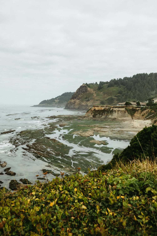 Devil's Punchbowl in Oregon during low tide