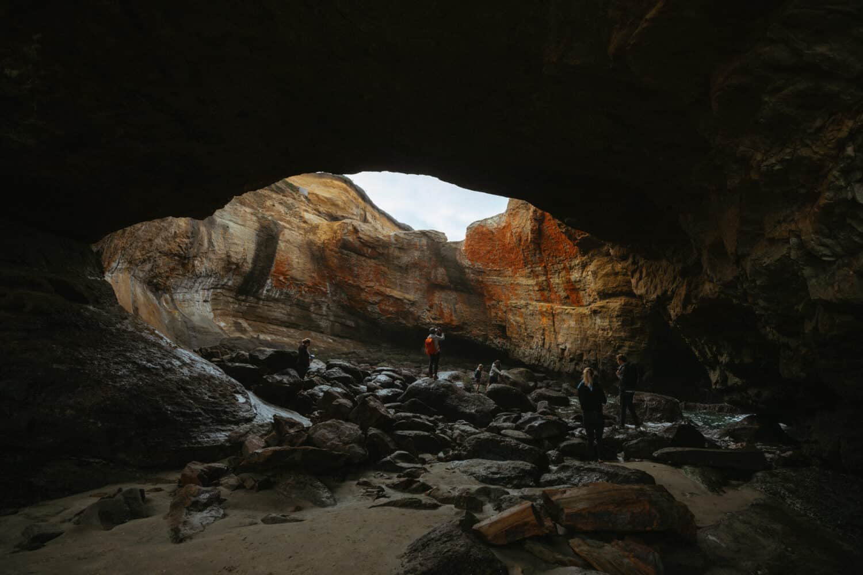 Hiking into Devil's Punchbowl Oregon