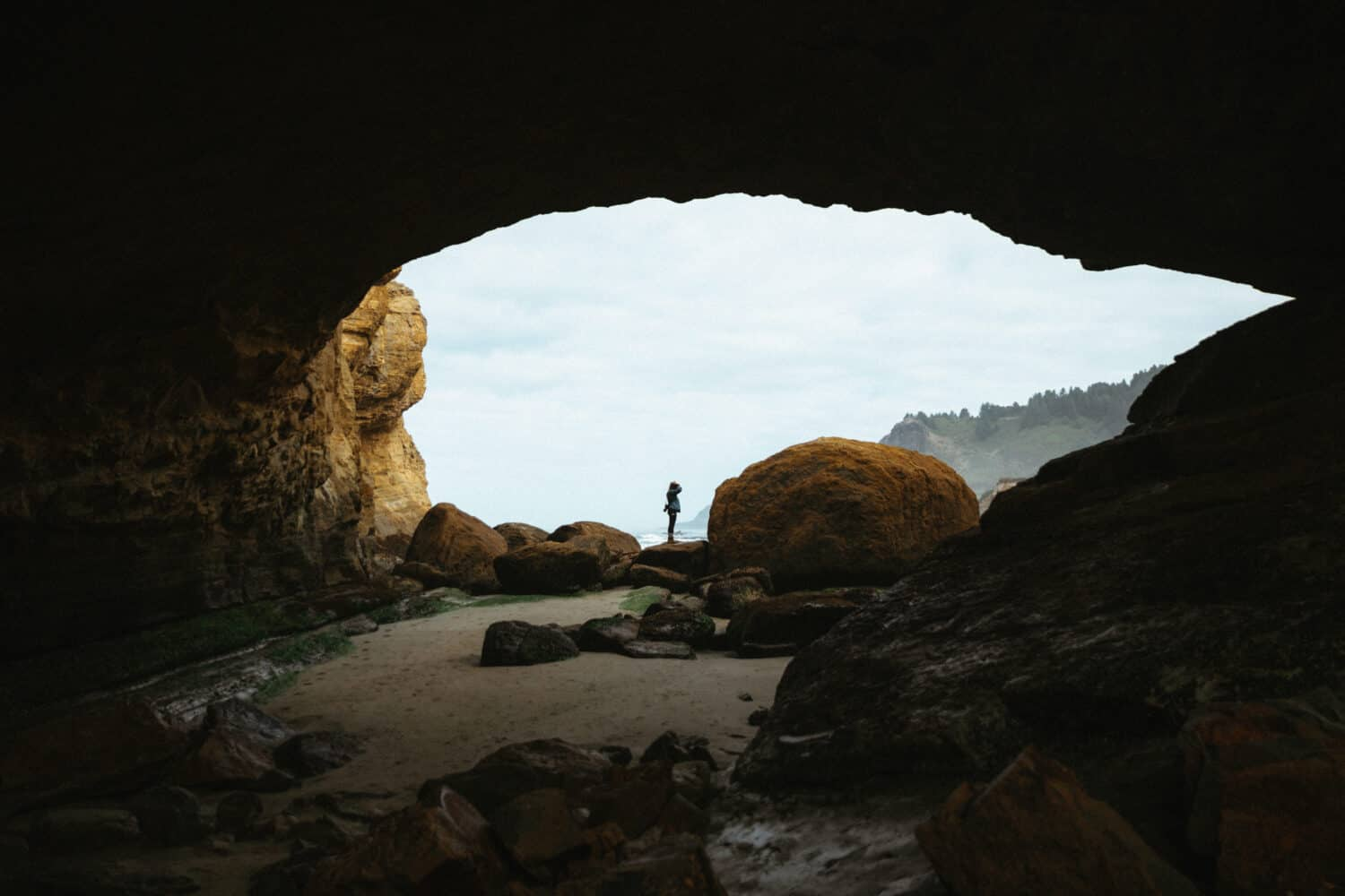 Berty Mandagie at Devil's Punch Bowl State Scenic Area on the Oregon Coast