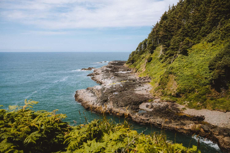 Devil's Churn - Oregon Coast - TheMandagies.com