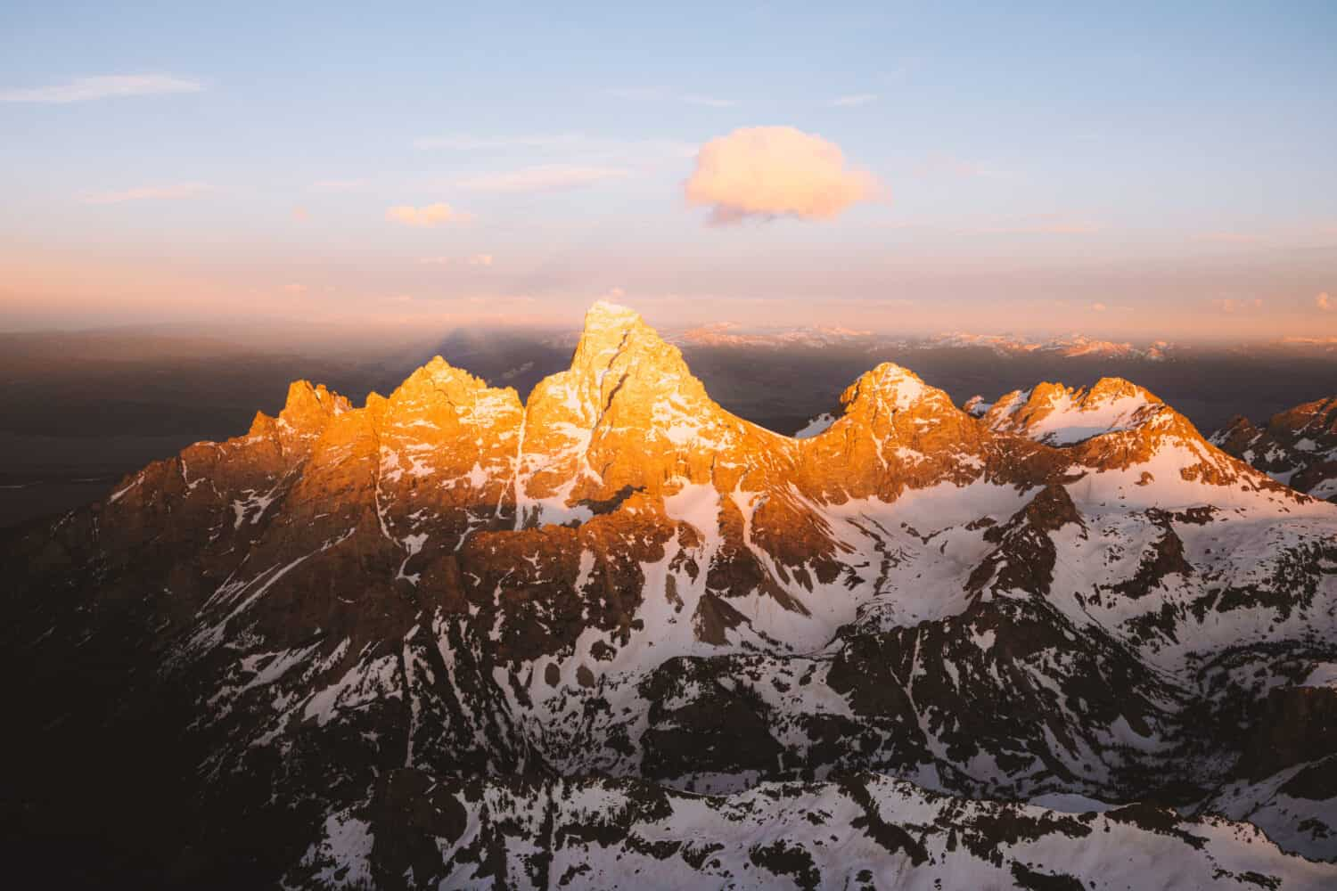 Grand Teton peaks during sunset - TheMandagies.com