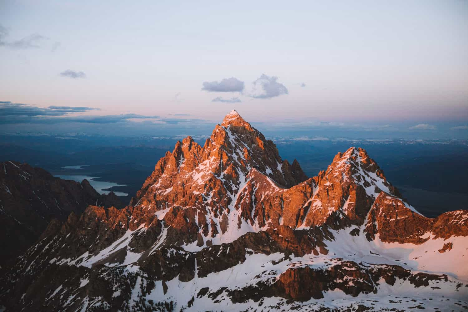 Grand Teton Peak Wyoming during sunset - TheMandagies.com