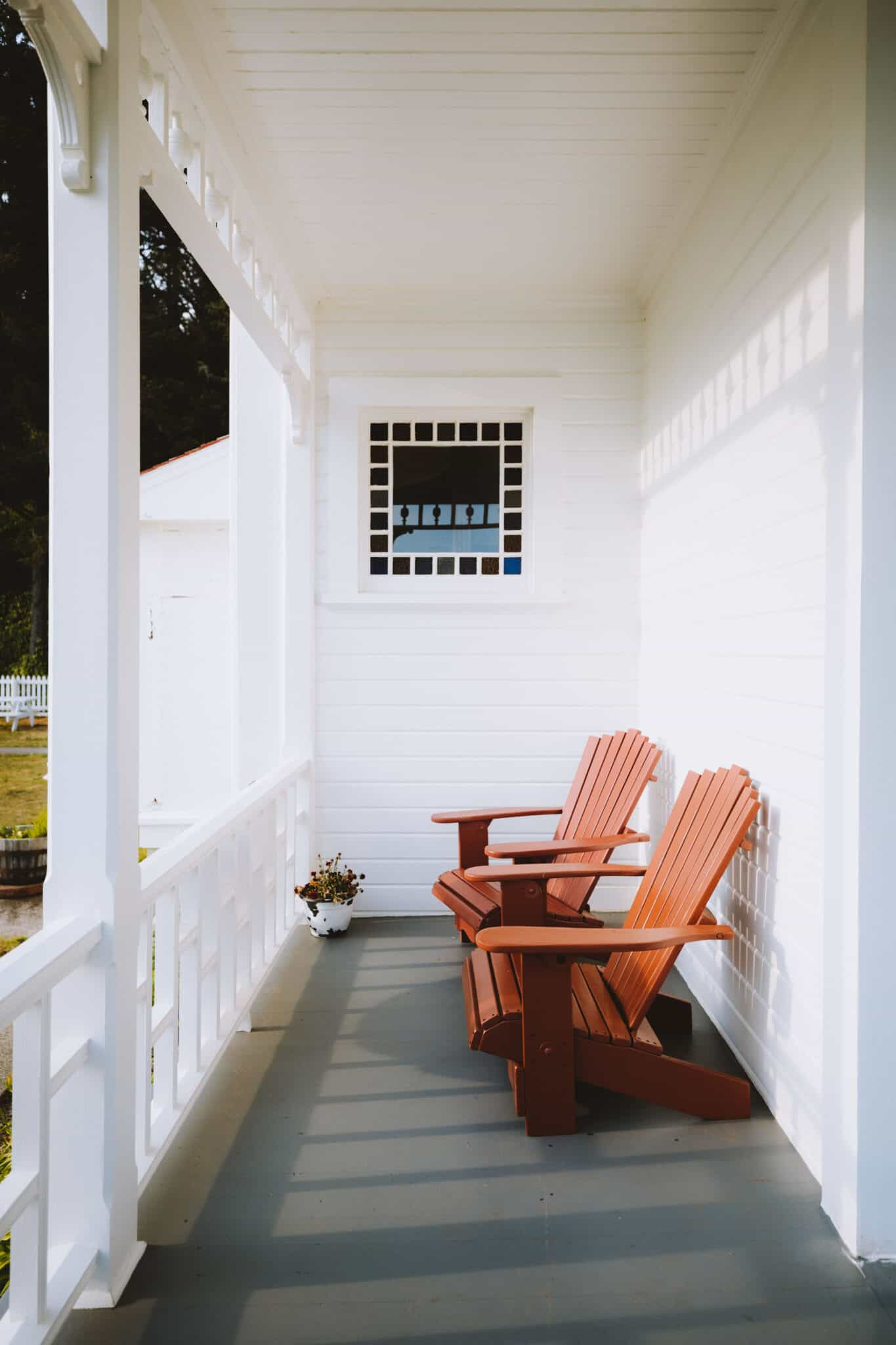 Wrap Around Porch at Innkeepers House, Oregon
