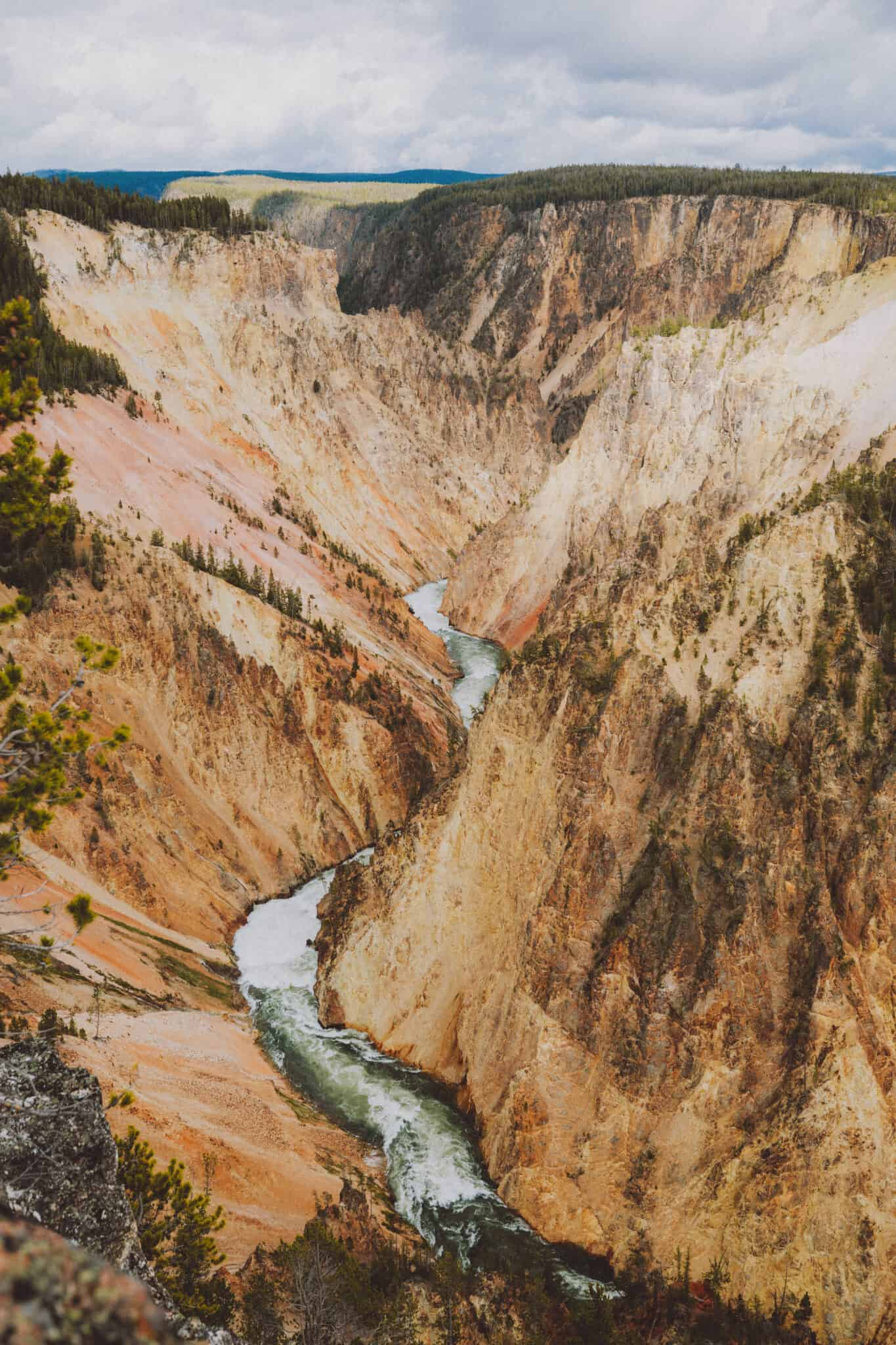 Yellowstone Of The Grand Canyon - Yellowstone National Park - TheMandagies.com