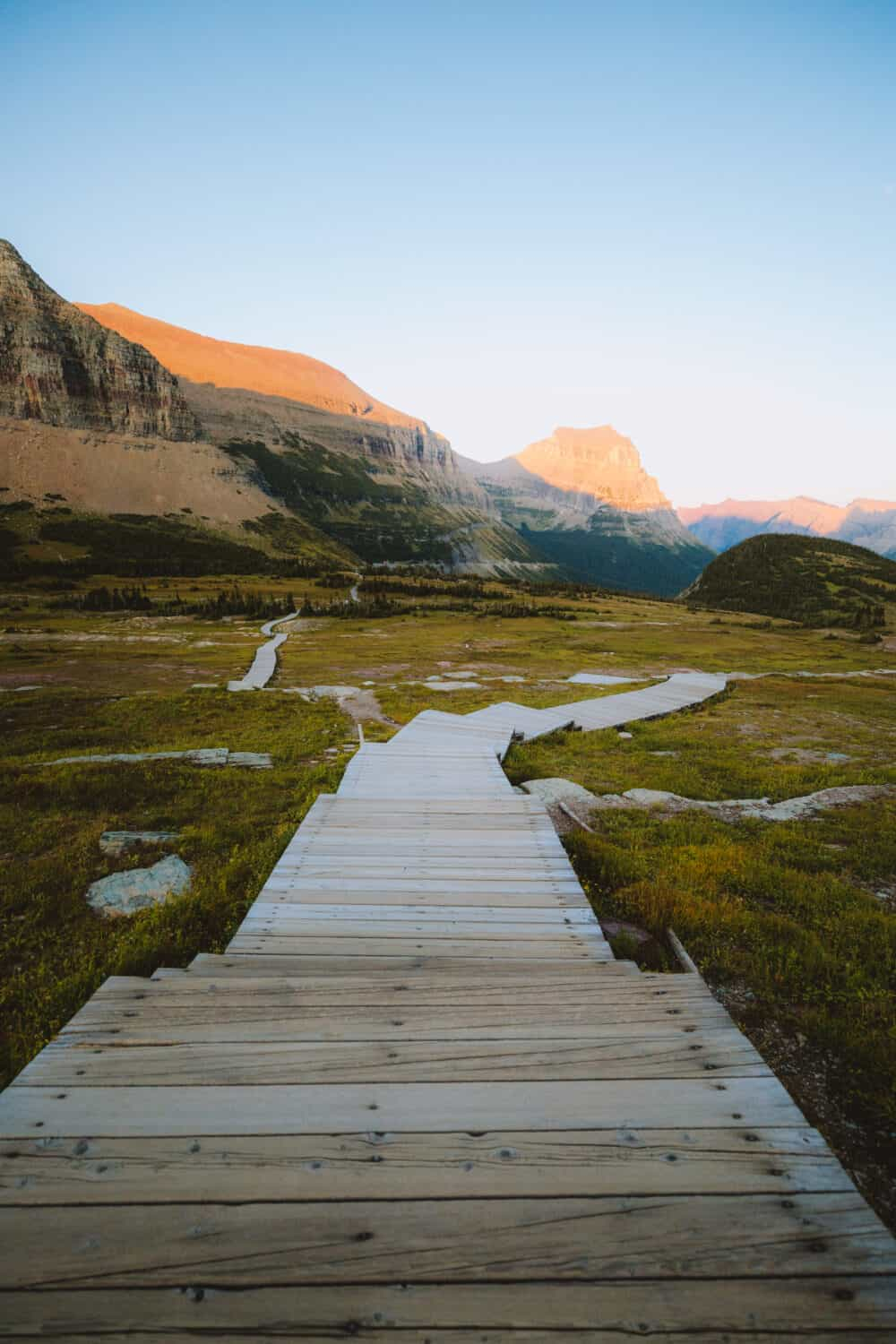 Hidden Lake Lookout Trail - Hikes In Glacier National Park - TheMandagies.com