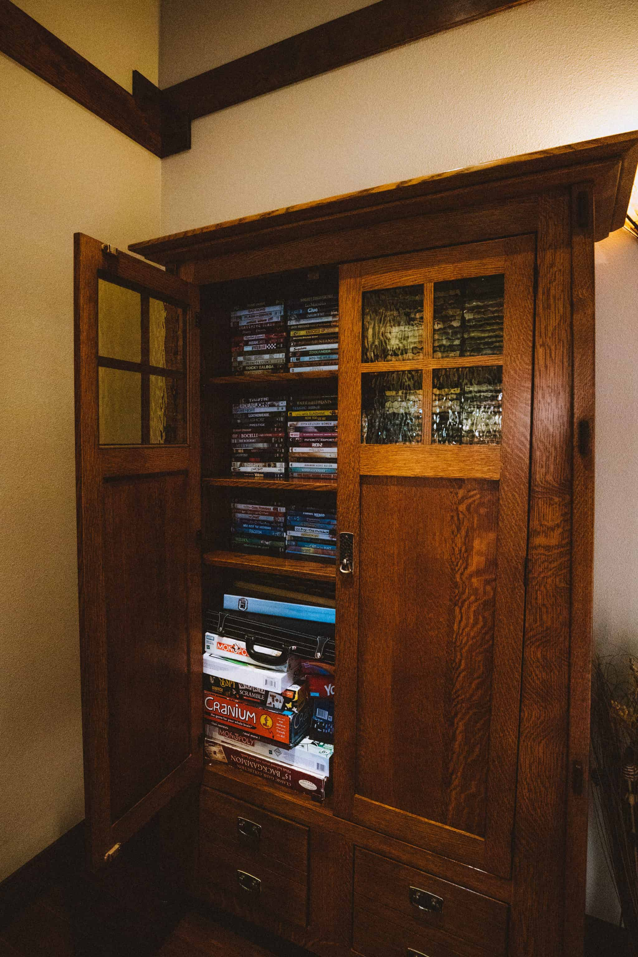 DVD Closet at FivePine Lodge - TheMandagies.com
