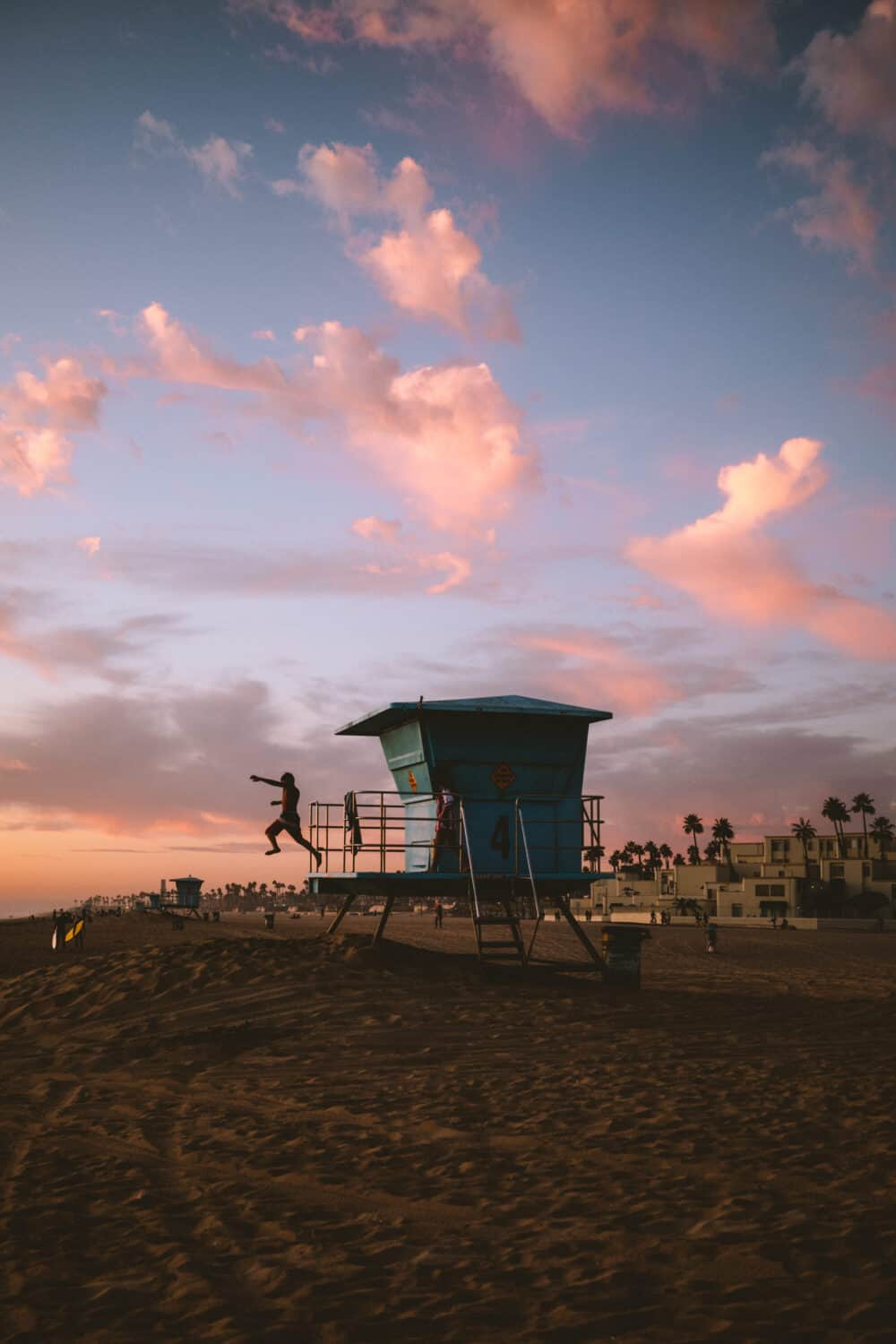 Sunset at Huntington Beach - TheMandagies.com