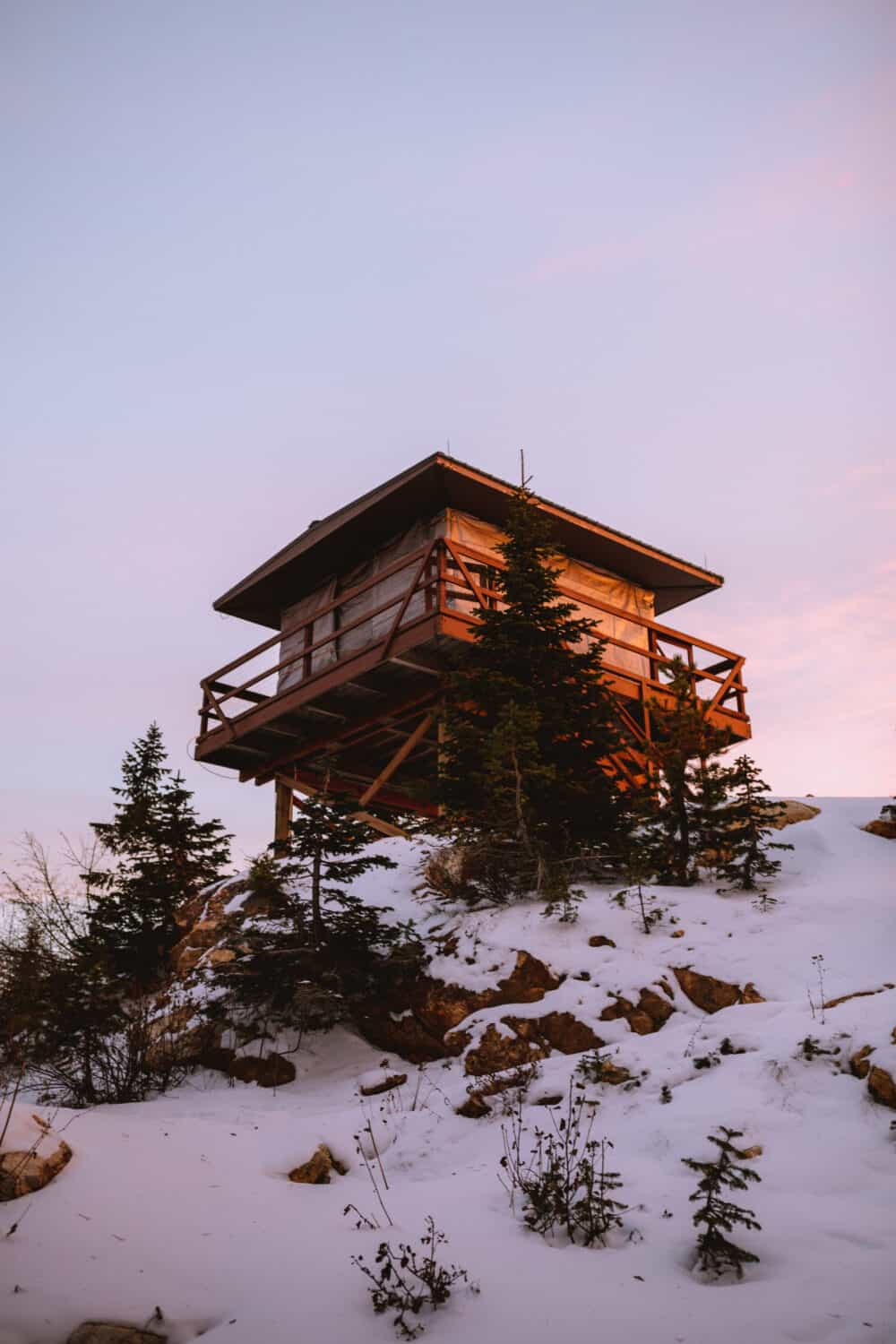 Quartz Mountain Lookout - Washington Winter Hikes - TheMandagies.com