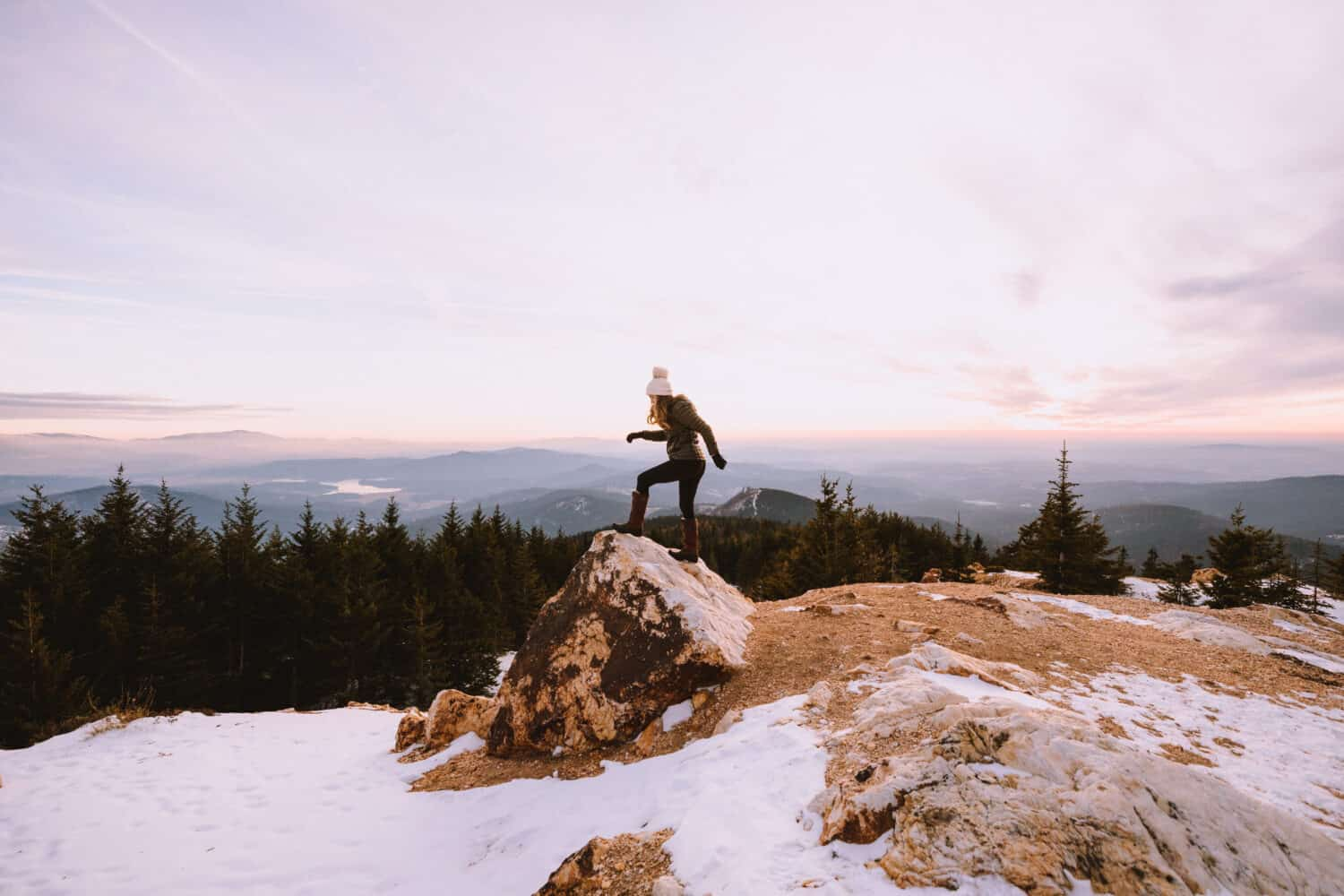 Emily climbing at Quartz Mountain Lookout in Spokane, Washington -TheMandagies.com