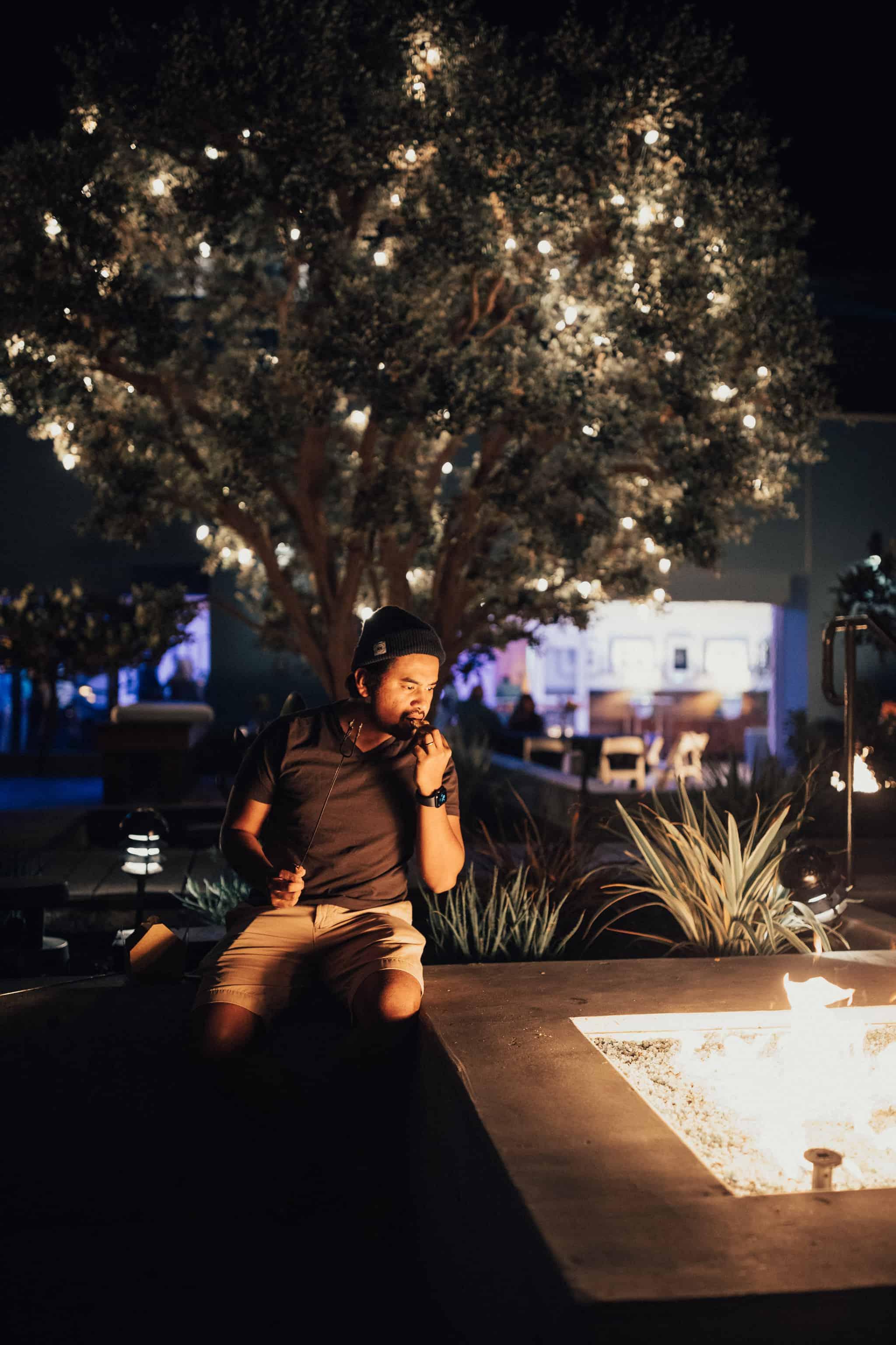 Berty roasting smores at Shorebreak Hotel Huntington Beach - TheMandagies.com