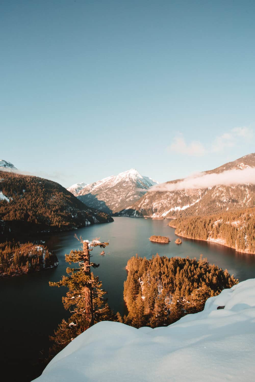 Best Weekend Trips From Seattle - Diablo Lake in North Cascades National Park - TheMandagies.com