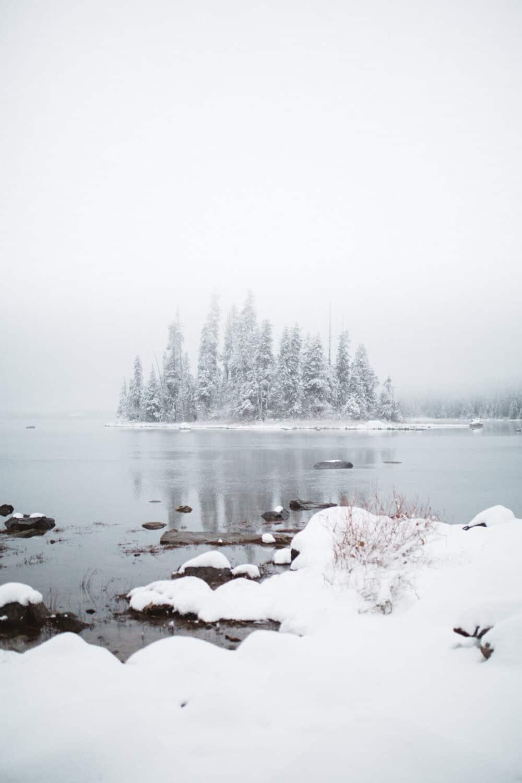 Lake Wenatchee Emerald Island In Winter - Washington Winter Hiking Trails - TheMandagies.com