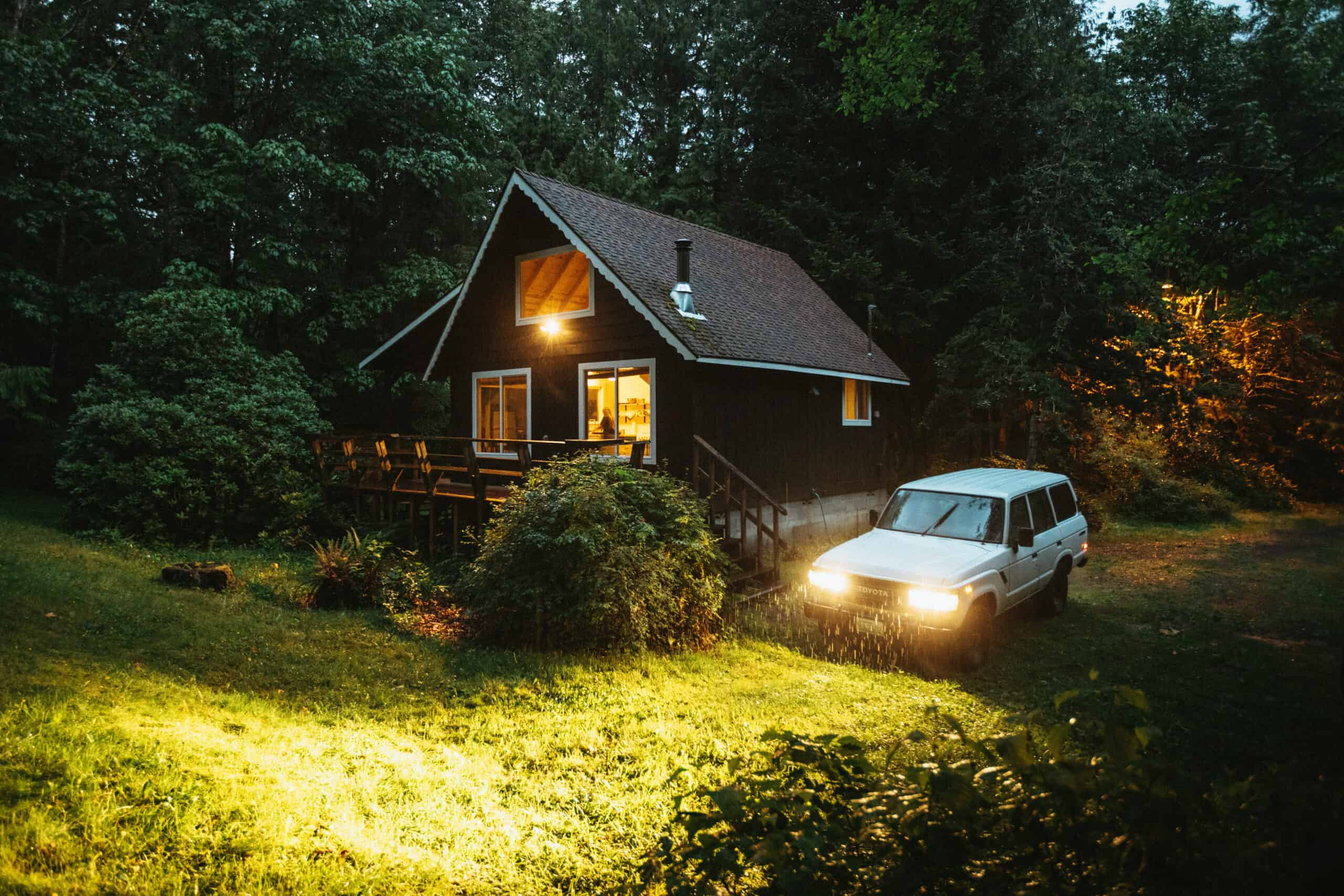 12 Amazing Pacific Northwest Cabins To Refresh Your Soul This Season