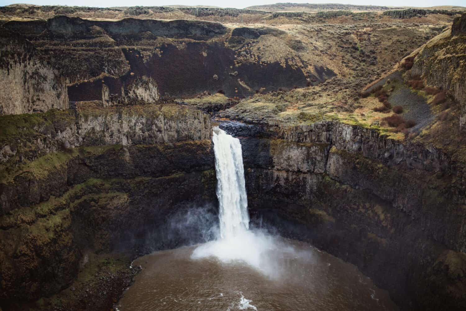 Palouse Falls - Washington Winter Hiking Trail - TheMandagies.com