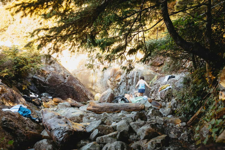 View of hot springs cove british columbia - TheMandagies.com