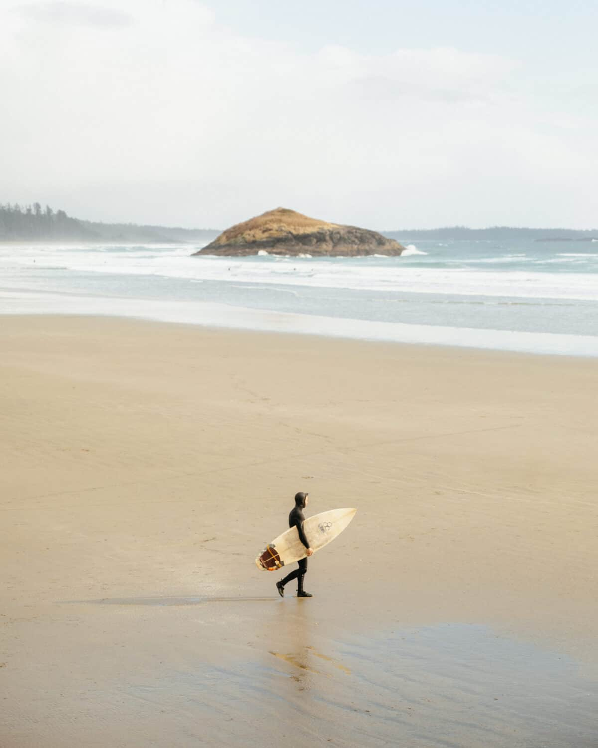 Surfer on Long Beach in Tofino, BC - Vancouver Island - TheMandagies.com