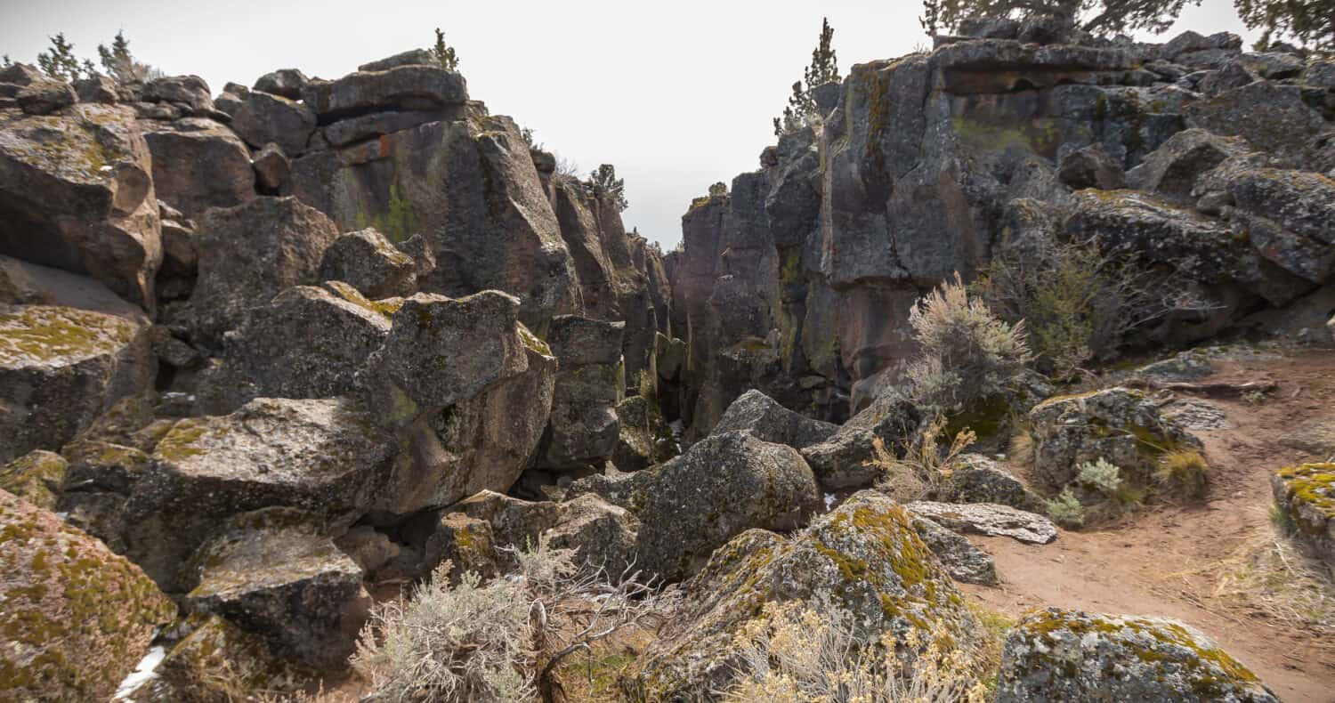 Crack In The Ground - Places In Eastern Oregon