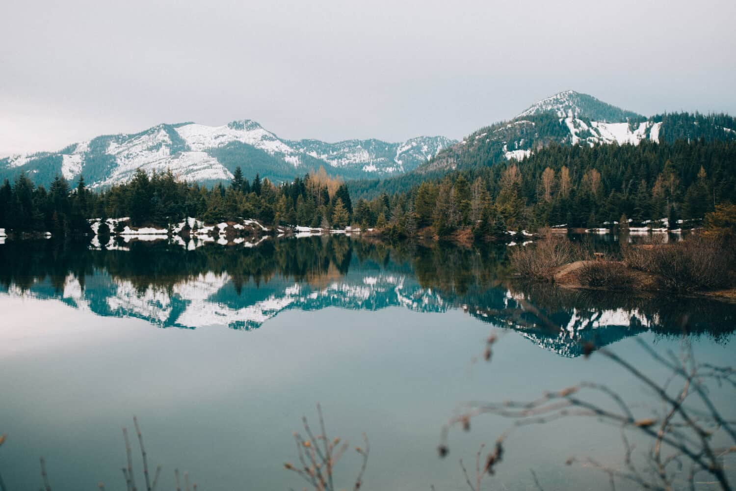 Gold Creek Pond Loop - Day Hikes From Seattle, Washington - TheMandagies.com