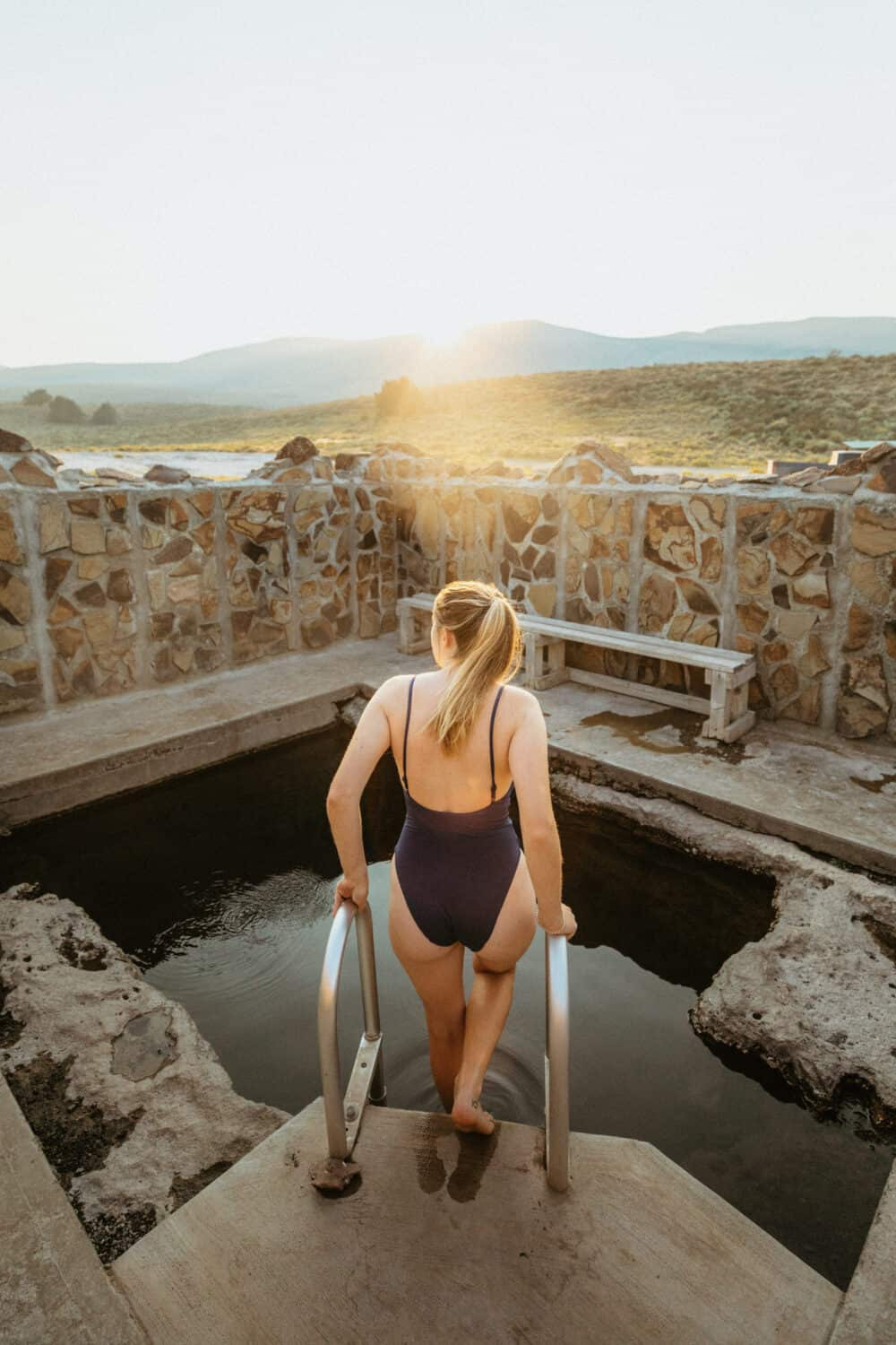 Hart Mountain Hot Springs - Eastern Oregon hot springs
