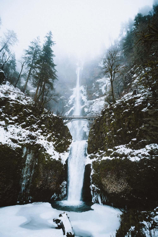 Famous Waterfalls in Oregon - Multnomah Falls