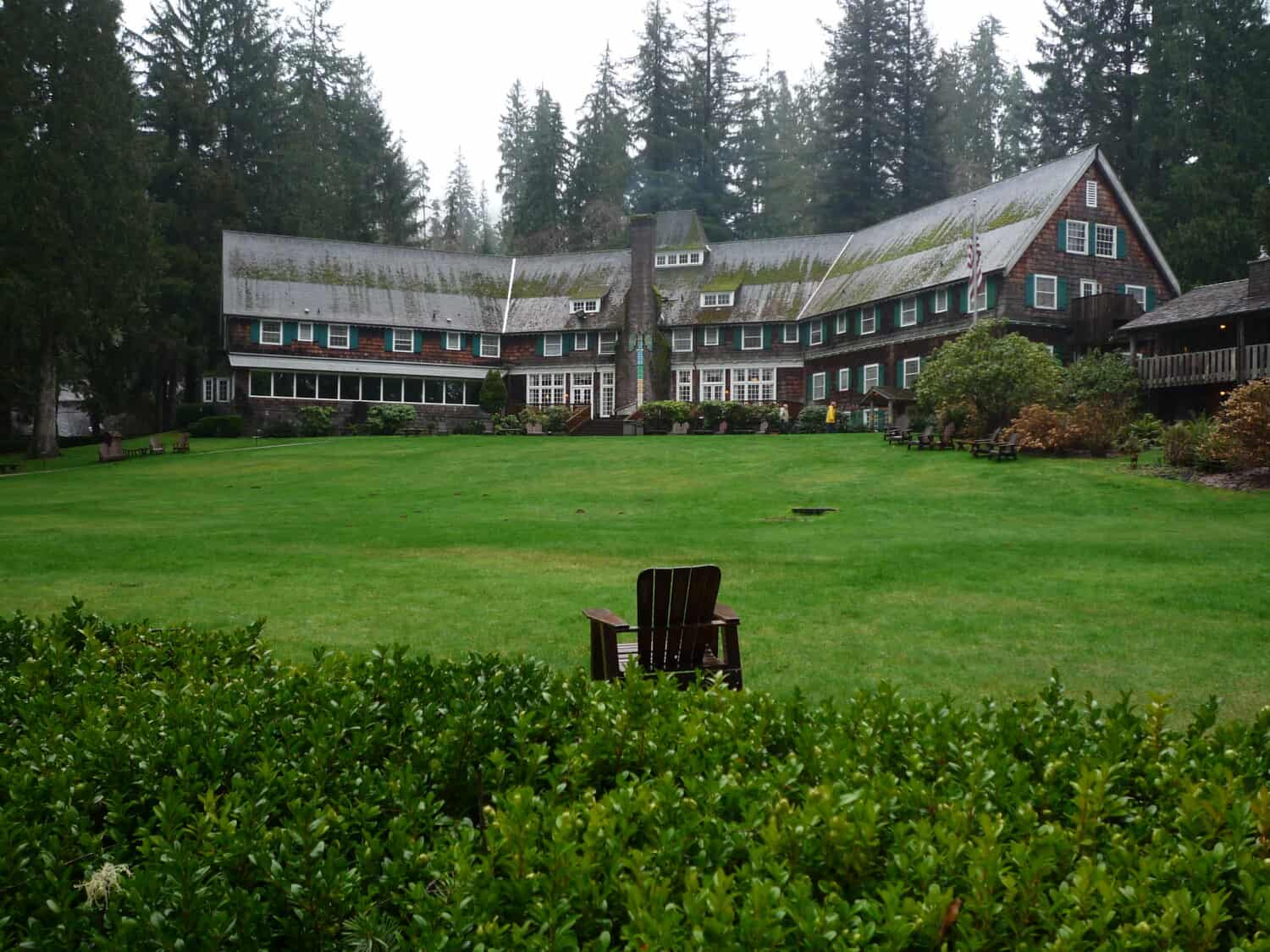 Lake Quinault Lodge - Olympic National Park, Washington - TheMandagies.com