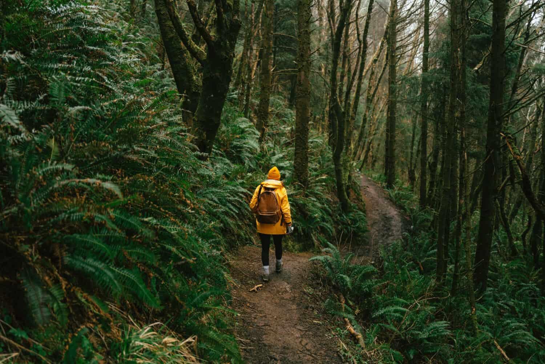 Emily Mandagie hiking the Oregon Coast